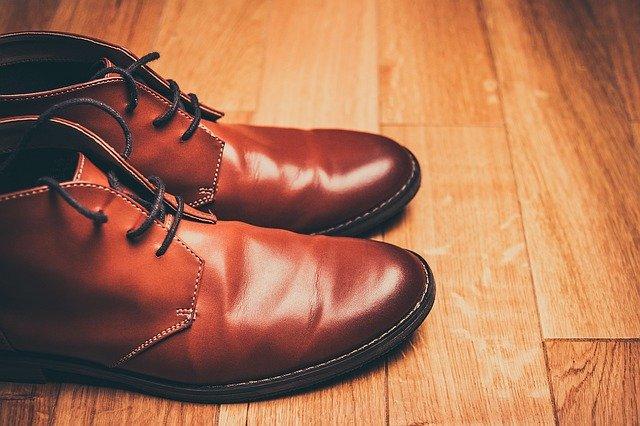 見守りに靴を活用する方法!メリット・デメリットをまとめて紹介!